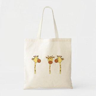 Desenhos animados de três girafas bolsas