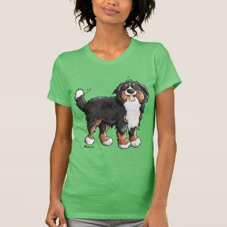 Desenhos animados engraçados do cão de montanha de camiseta