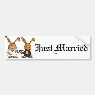 Desenhos animados engraçados do casamento do adesivo para carro