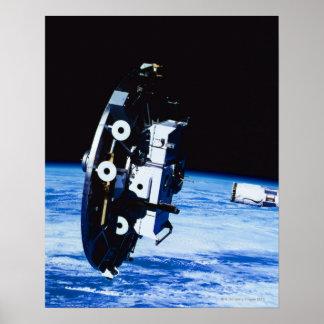 Desenvolvimento de um satélite impressão