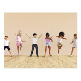 Desenvolvimento infantil com as crianças que cartão postal