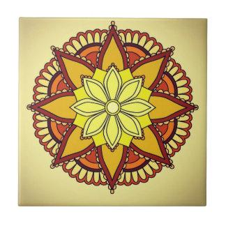 Design amarelo alaranjado da flor