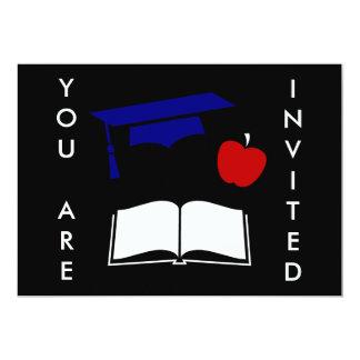 Design branco da graduação e azul vermelho convite 12.7 x 17.78cm