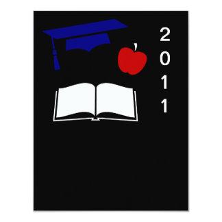 Design branco da graduação e azul vermelho convite personalizados