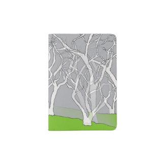 Design branco das árvores no suporte do passaporte capa para passaporte
