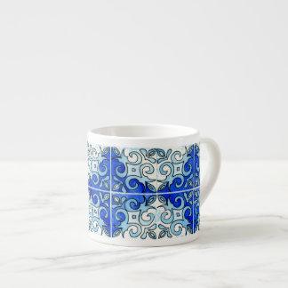 Design cinzelado mão 6 do azulejo pintado nas agua caneca de café