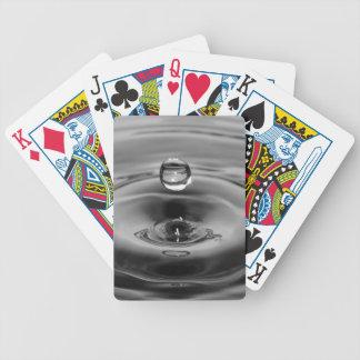 Design da arte do movimento lento da gota da água jogo de baralho