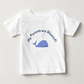 Design da baleia - meus pais são abençoados camiseta para bebê