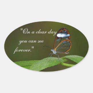 """""""Design da borboleta de Glasswing de um dia claro"""" Adesivo Oval"""
