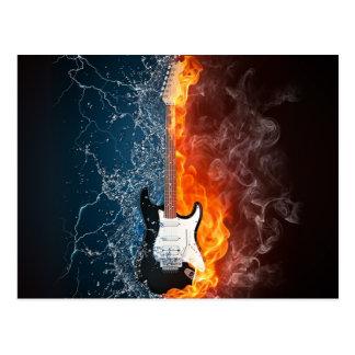 Design da guitarra da água legal e do fogo cartão postal