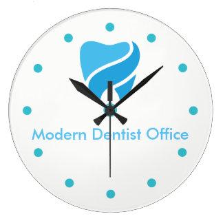 Design decorativo do escritório do dentista relógios de paredes