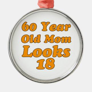Design do aniversário das pessoas de 60 anos ornamento redondo cor prata