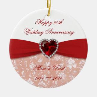 Design do aniversário de casamento do damasco 40th ornamento de cerâmica redondo