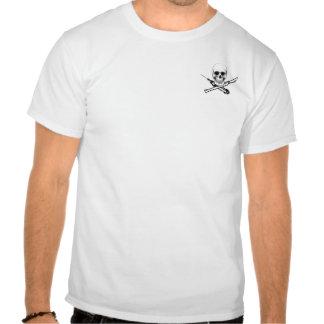 Design do bolso do crânio e da seringa de UNMC T-shirts