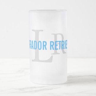 Design do monograma da raça de labrador retriever caneca de vidro fosco