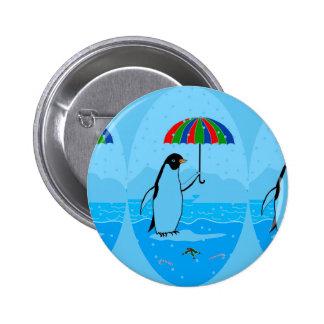 Design do pinguim em um botão da forma bóton redondo 5.08cm