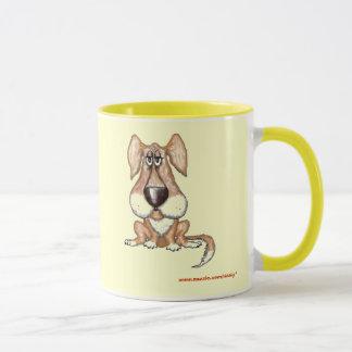 Design engraçado da caneca do cão