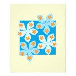 Design floral bonito, azul e creme panfleto personalizado