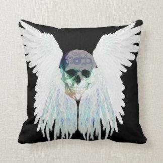 Design gótico voado do crânio perfeito para o Dia Almofada