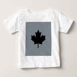 Design preto canadense da folha de bordo t-shirts