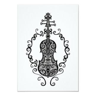 Design preto intrincado do violino no branco convites personalizado
