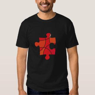 Design vermelho da parte do quebra-cabeça t-shirt