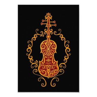 Design vermelho dourado intrincado do violino no convite personalizados