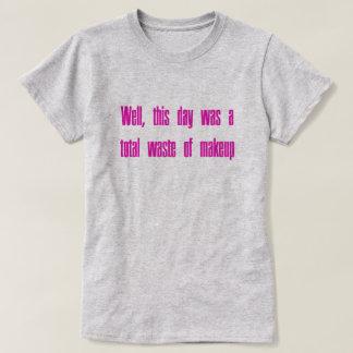 Desperdício da composição camiseta