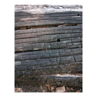 Detalhe de registro de madeira velho com superfíci panfleto personalizado