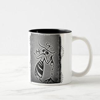 Deusa da abelha de Minoan Caneca De Café Em Dois Tons