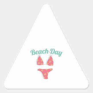 Dia da praia adesivo triangular