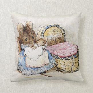 Dia das mães de Beatrix Potter, travesseiro do chá Almofada