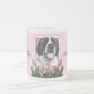 Dia das mães - tulipas cor-de-rosa - St Bernard - Caneca De Vidro Fosco