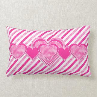 Dia dos namorados - corações cor-de-rosa do almofada lombar