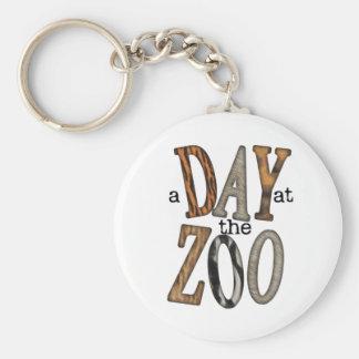 Dia no jardim zoológico chaveiro