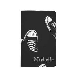 Diário Caderno preto e branco do jornal da sapatilha dos