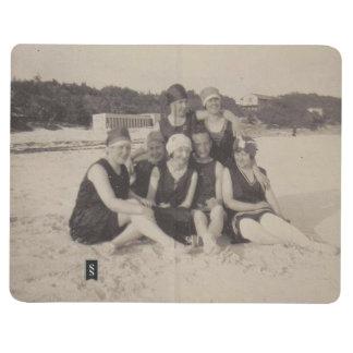 Diário Fotografia 1920 do vintage do grupo de praia