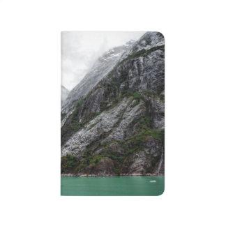 Diário Jornal de pedra cinzento da montanha
