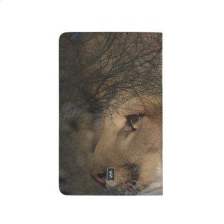 Diário Puma selvagem do leão de montanha da silhueta da