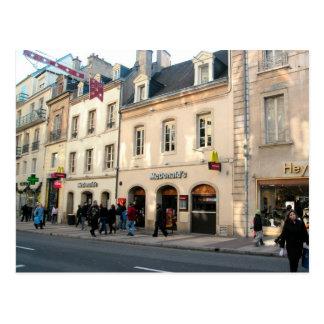 Dijon, construção medieval usada para o fast food cartão postal