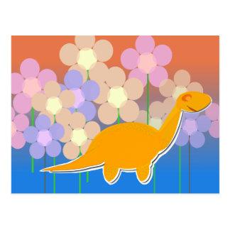 Dinossauro bonito no cartão do campo de flor