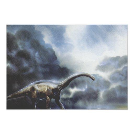 Dinossauro do Barapasaurus do vintage com nuvens d Convite Personalizados