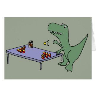 Dinossauro engraçado de T-rex que joga a cerveja Cartão