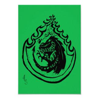 Dinossauro ou dragão flamejante pelo doce do NIC Convite