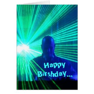 DJ nas plataformas - cartão de aniversário