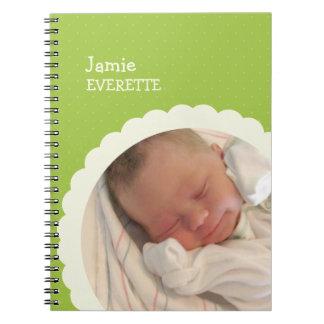 Do círculo verde do scallop do ponto do bebê jorna caderno