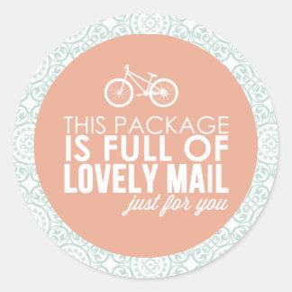 Do correio floral da bicicleta do rosa & da