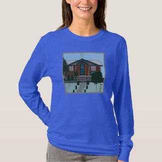 Do t-shirt longo da luva do Hanes das mulheres Camiseta