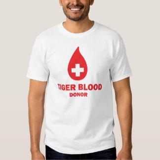Doador de sangue do tigre tshirts