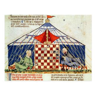 Dois árabes que jogam a xadrez em uma barraca cartão postal